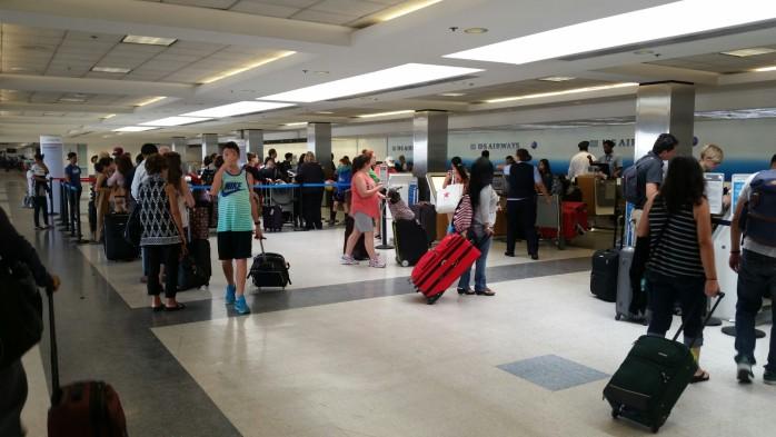LAX Baggage Line US Airways