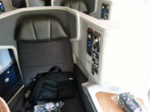 Business Class Seat 77W
