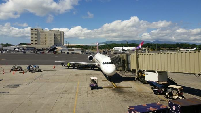 Hawaiian 717 in Honolulu